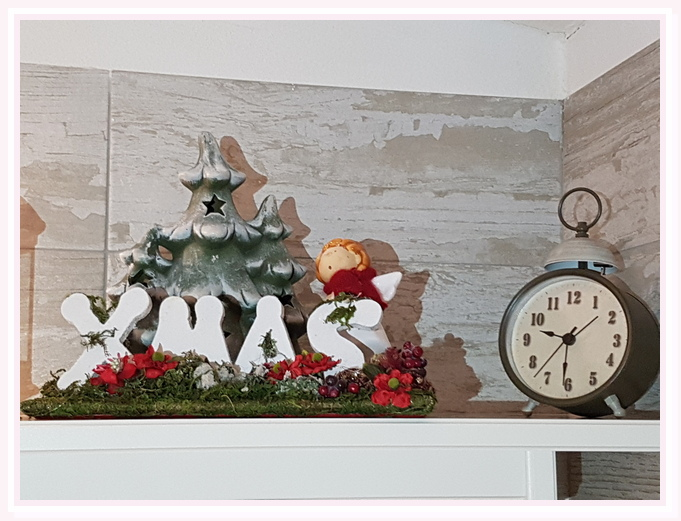 camera-matrimoniale-sole-bed and breakfast-cielididante-conversano-16-addobbi-natale-christmas-time-vintage-alarm clock